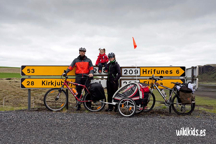 Viajar a Islandia en bicicleta con niños