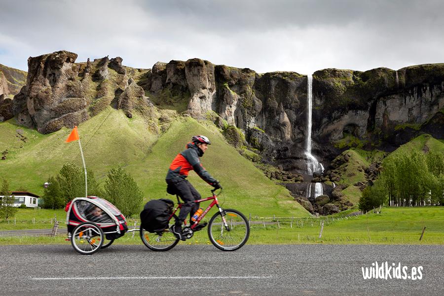 Viaje en familia: Islandia con niños en bicicleta