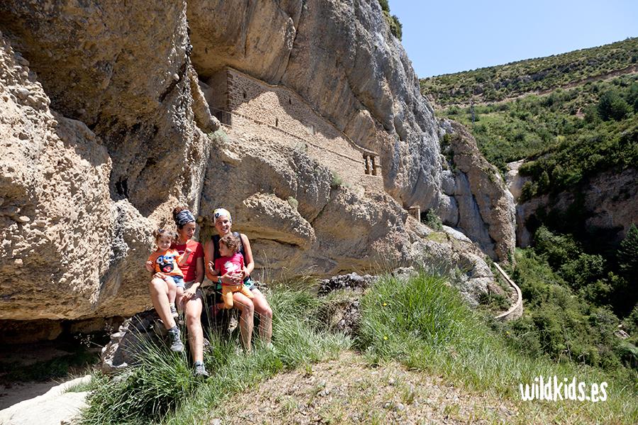 Ermitas de Yebra de Basa: San Cornelio y La Cueva