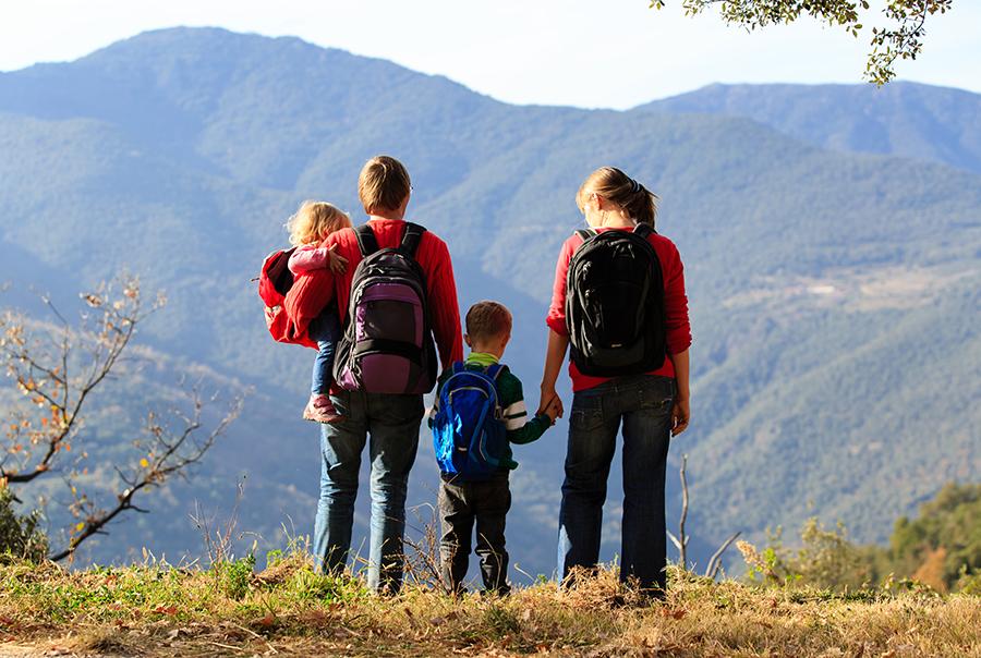 hijos en la naturaleza