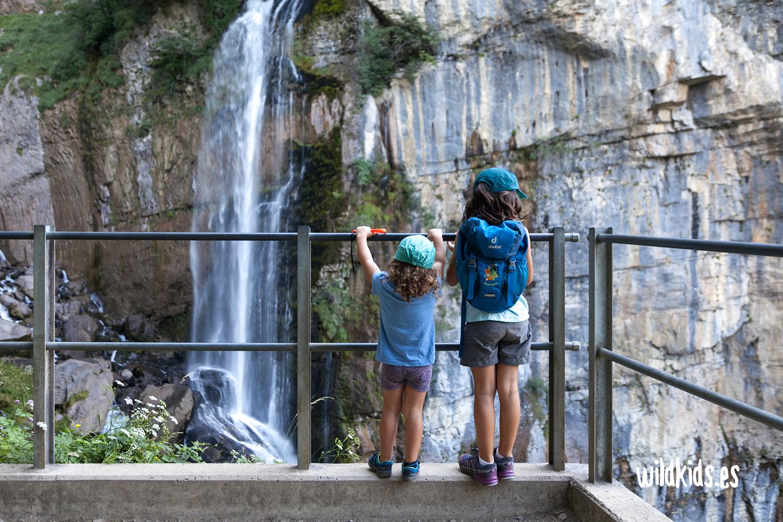 Mirador sobre la cascada Seerenbach
